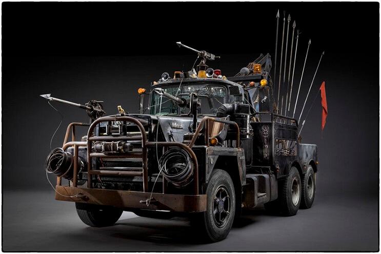 los-vehiculos-de-mad-max-antes-de-ser-preparados-para-la-accion-18