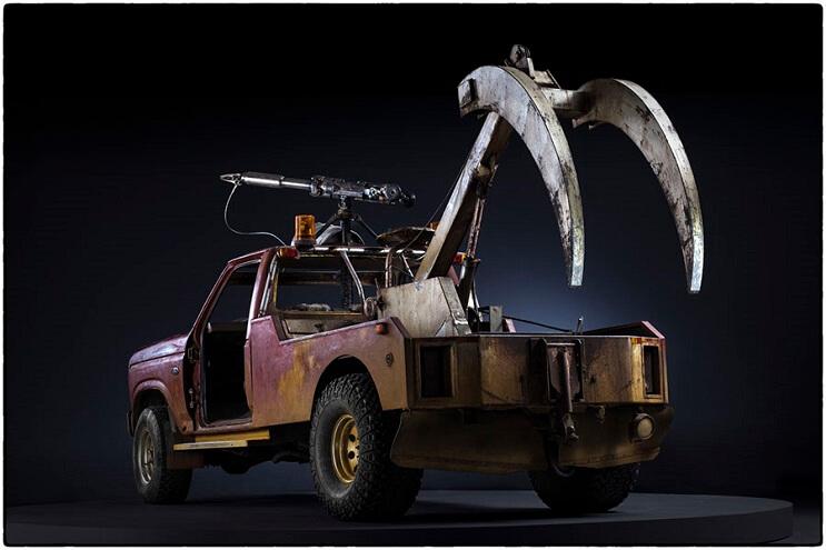 los-vehiculos-de-mad-max-antes-de-ser-preparados-para-la-accion-20