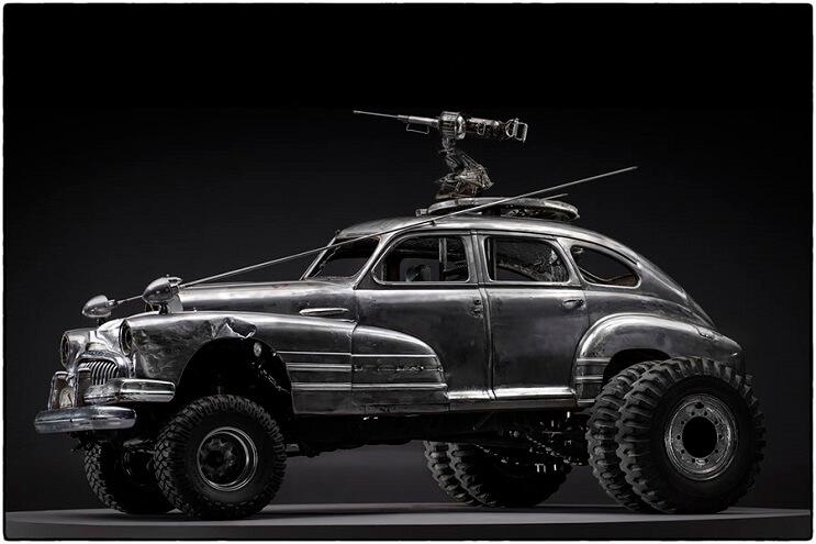 los-vehiculos-de-mad-max-antes-de-ser-preparados-para-la-accion-23