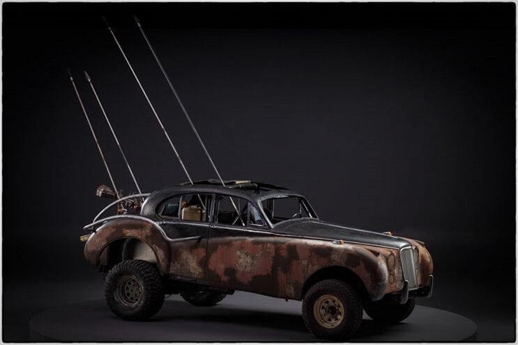 los-vehiculos-de-mad-max-antes-de-ser-preparados-para-la-accion-28