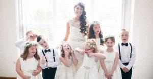 Profesora de alumnos con síndrome de down hace de ellos los pajes más adorables para su boda