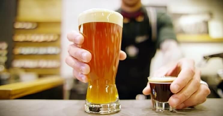 Starbucks lanza una cerveza expreso