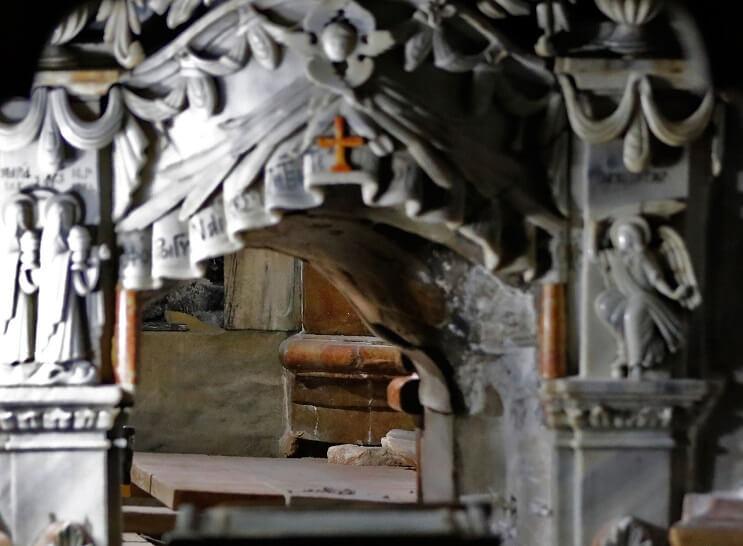 tras-estar-por-5-siglos-cerrada-la-tumba-de-cristo-ha-sido-reabierta-arreglos