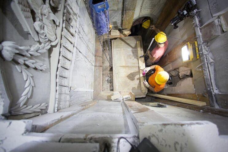 tras-estar-por-5-siglos-cerrada-la-tumba-de-cristo-ha-sido-reabierta-examenes