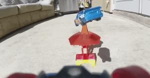 Carro de Hot Wheels y una GoPro nos muestran lo que es ser un conductor temerario