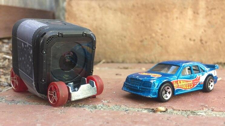 un-carro-de-hot-wheels-y-una-gopro-nos-muestran-lo-que-es-ser-un-conductor-temerario-juego