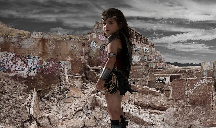 un-fotografo-convirtio-a-su-hija-en-la-mas-adorable-y-alucinante-mujer-maravilla-06