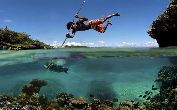 vision-de-dos-mundos-fotografias-que-capturan-lo-mejor-del-mar-09