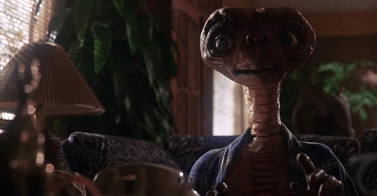 Conoce de cuánto sería la cuenta telefónica de E.T con su famosa llamada a casa