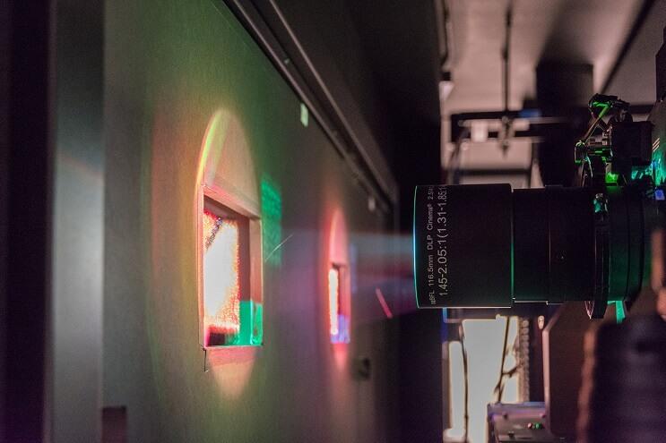 dolby-presenta-el-cine-mas-alucinante-jamas-antes-creado-proyector
