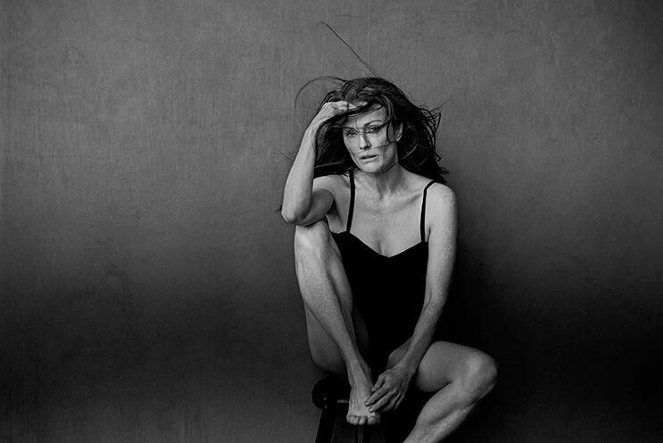el-calendario-pirelli-2017-le-dice-adios-al-photoshop-y-al-maquillaje-julianne-moore