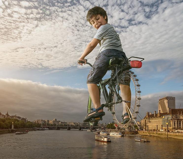 el-fotografo-adrian-sommeling-hace-con-su-hijo-divertidas-escenas-con-photoshop-3