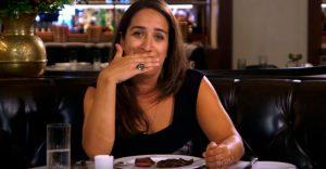Chica vegetariana volvió a comer carne después de 22 años y su reacción lo dice todo
