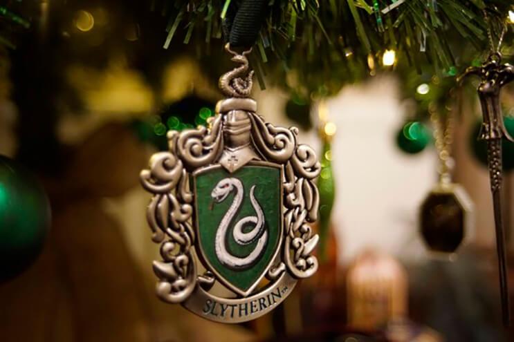 este-arbol-de-harry-potter-le-da-verdadera-magia-a-la-navidad-5