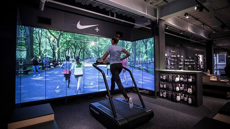 la-nueva-tienda-interactiva-de-nike-nos-muestra-que-estos-espacios-son-mucho-mas-que-pura-venta-3