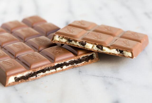 oreo-y-milka-presentan-una-nueva-barra-de-chocolate-y-el-publico-de-internet-enloquece-relleno-pequeno