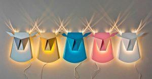 Originales lámparas que cuando son encendidas muestran inusuales diseños