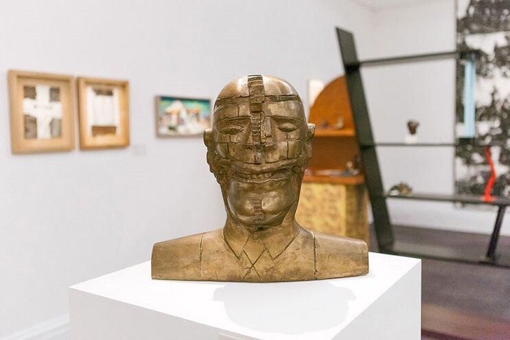 un-recorrido-por-la-coleccion-privada-de-arte-de-david-bowie-madera