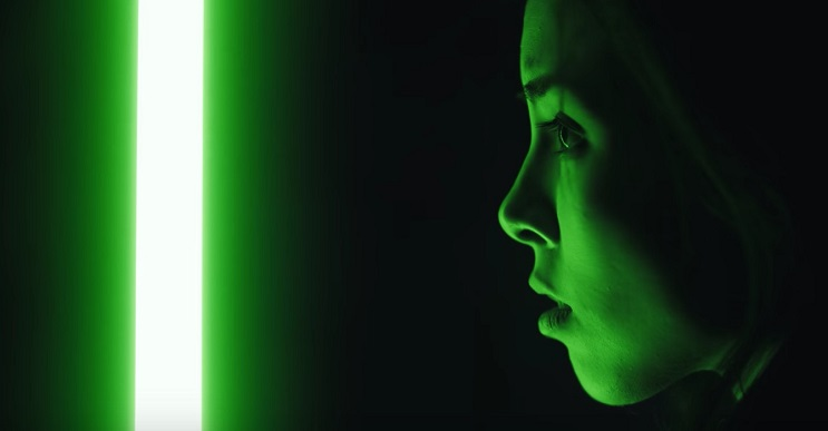 Una jedi ciega y su sable laser marcan el inicio de este film creado por un fan