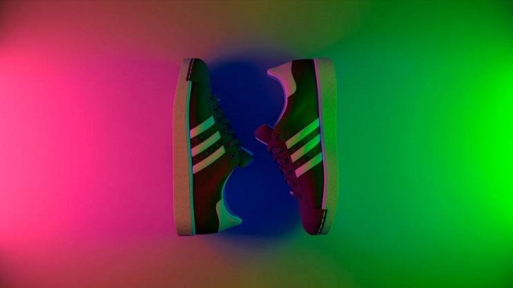 coloridas-instalaciones-que-nos-llevan-al-pasado-zapatillas
