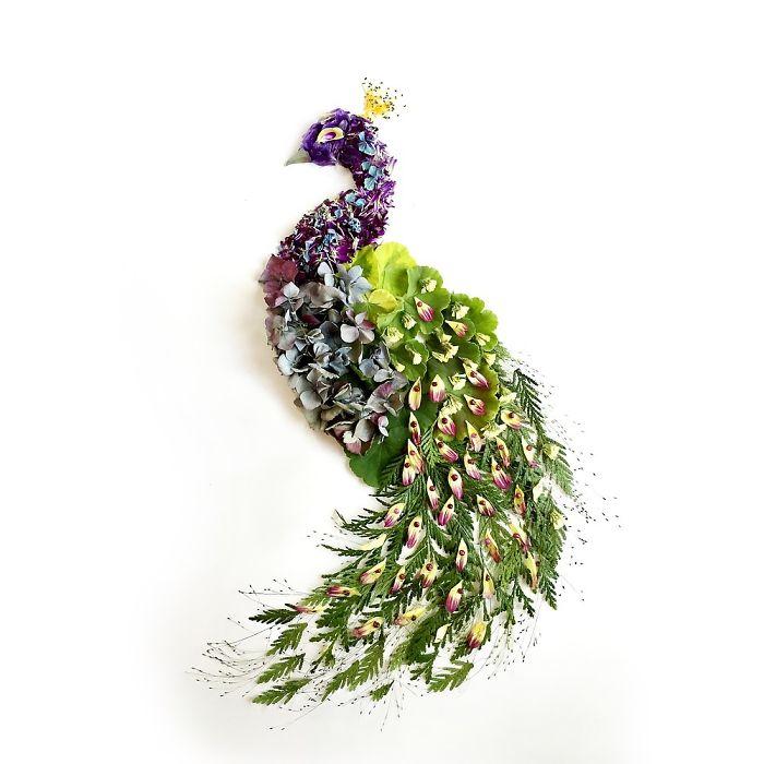esta-artista-crea-vida-con-las-flores-que-encuentra-en-su-camino-papagallo