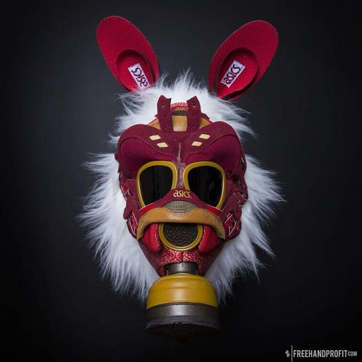 este-artista-convierte-tus-zapatillas-viejas-en-alucinantes-mascaras-asics