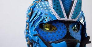 Este artista convierte tus zapatillas viejas en alucinantes máscaras