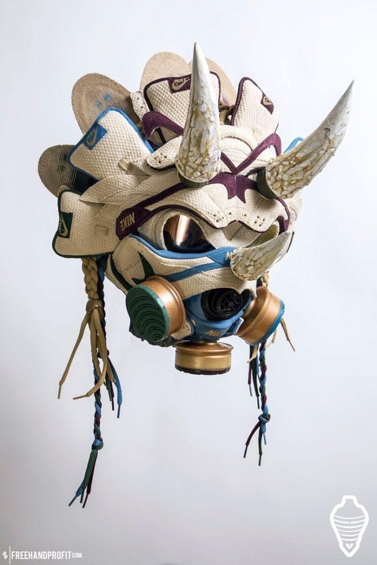 este-artista-convierte-tus-zapatillas-viejas-en-alucinantes-mascaras-cuernos