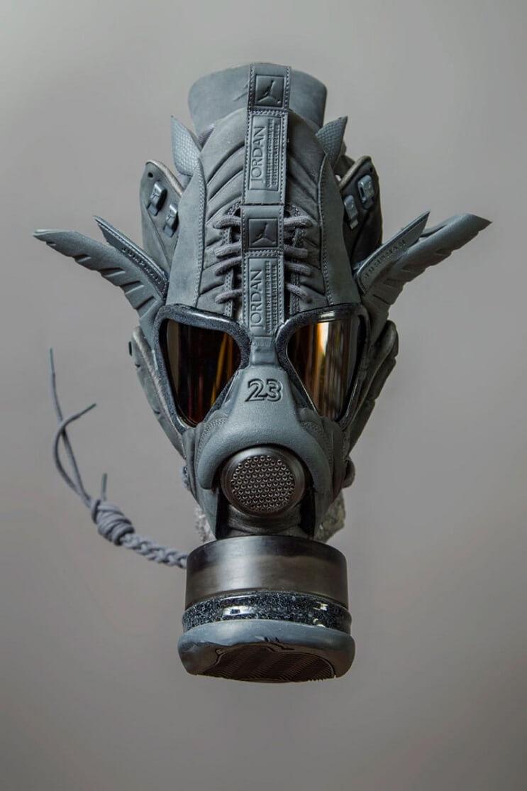 este-artista-convierte-tus-zapatillas-viejas-en-alucinantes-mascaras-jordan