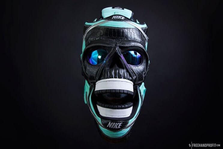 este-artista-convierte-tus-zapatillas-viejas-en-alucinantes-mascaras-rostro