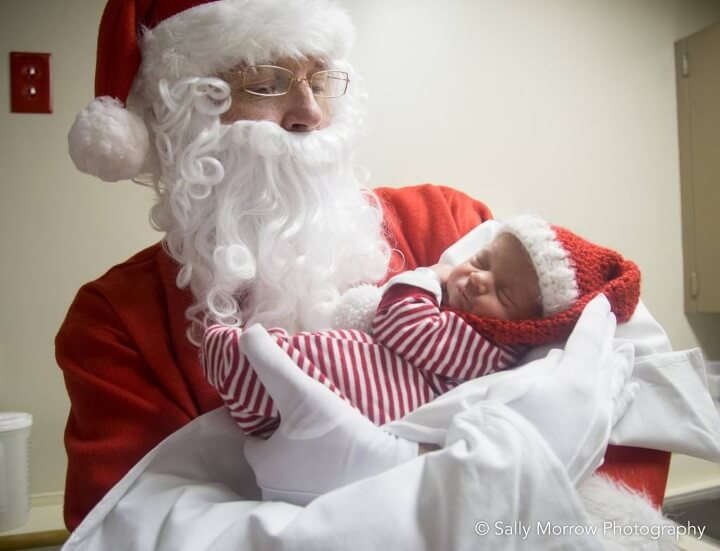 estos-bebes-prematuros-son-envueltos-como-regalos-de-navidad-para-mantenerlos-calientes-visita