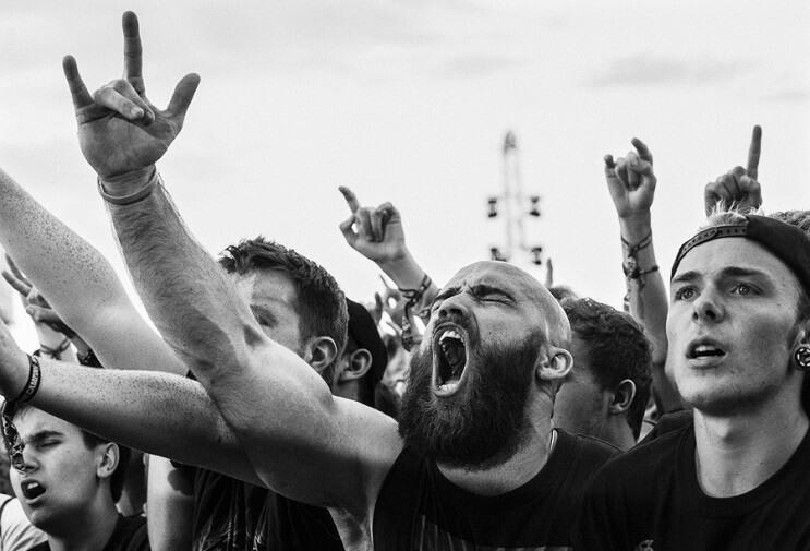 la-pasion-por-la-musica-en-estas-fotos-de-fanaticos-en-plenos-conciertos-cuernos