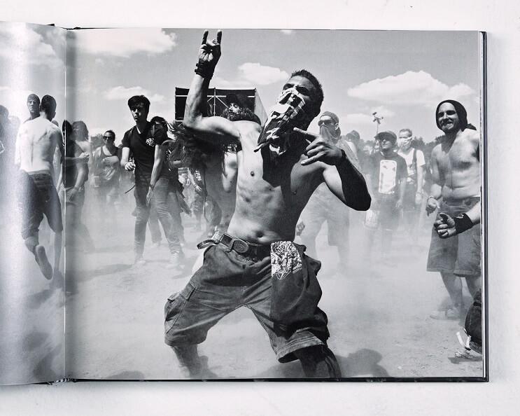 la-pasion-por-la-musica-en-estas-fotos-de-fanaticos-en-plenos-conciertos-libro