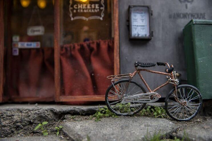 una-tienda-de-diminutas-dimensiones-en-plena-calle-de-suecia-002