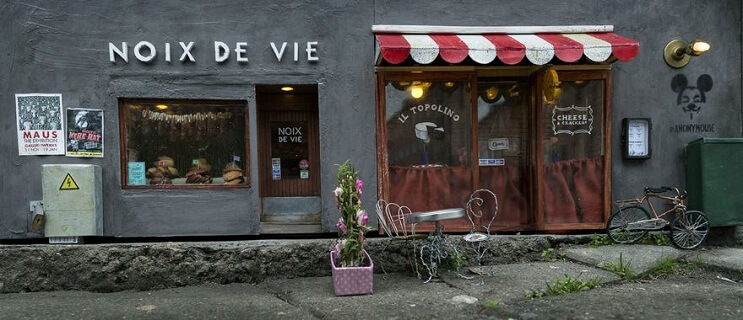 una-tienda-de-diminutas-dimensiones-en-plena-calle-de-suecia-006