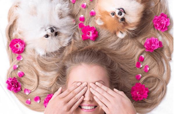 1daea179fb9aa Las marcas de belleza ahora promocionan sus productos con perros y gatos  como modelos