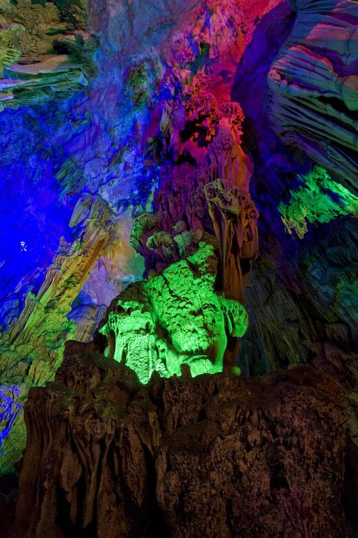 contrata un guia para sacar fotos de cuevas