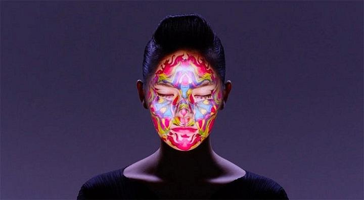 qué resultado me da usar un proyector para crear retratos fotográficos creativos