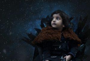niño fotografiado con fuente de luz