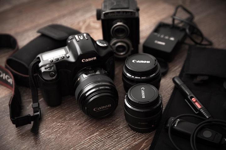 camara de fotos con lentes