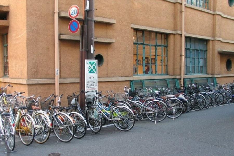 en japon  puede dejar su bicicletas sin cadenas y encontrarla en el mismo lugar