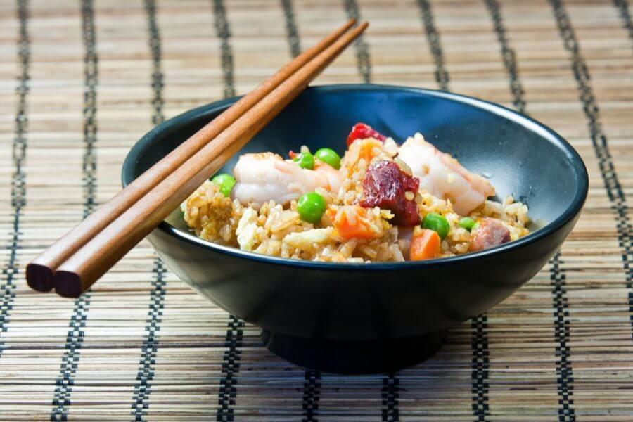 japon Usa más de 25 mil millones de palillos chinos al año para ingerir sus alimentos