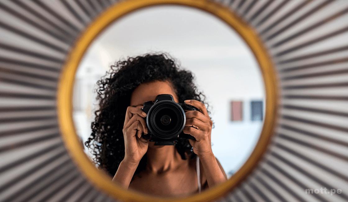 Hacer-un-autorretrato-digital-para-identidad-marca-personal-de-branding