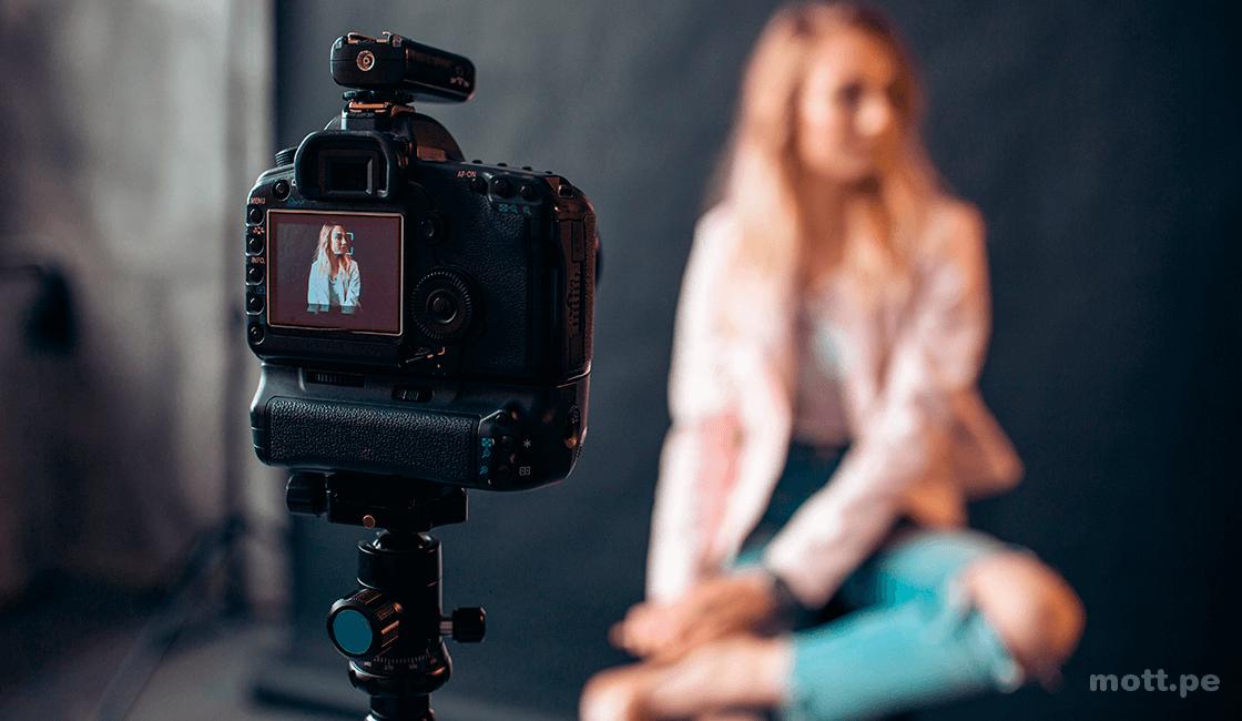 Encuentra la correcta iluminación de acuerdo al escenario en tu sesión de fotos lifestyle
