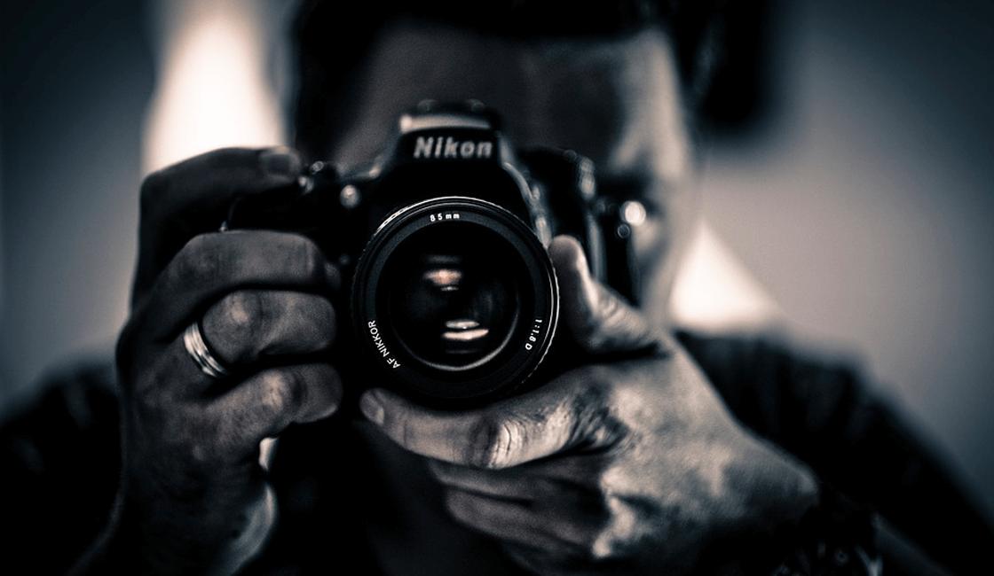 Las tarifas de los fotógrafos de eventos deben complementarse con ambas partes