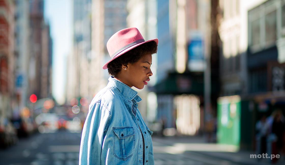 Realiza una fotografía documental social, su esencia está en la vida diaria