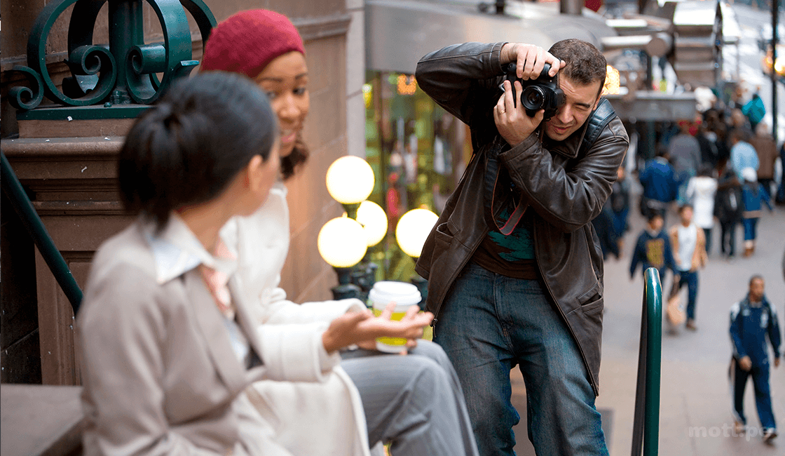 Pide-permiso-para-fotografiar-en-la-calle