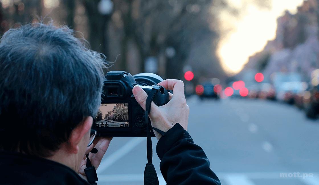 Tomar-varias-fotos-en-la-calle-y-elegir-bien-el-lugar