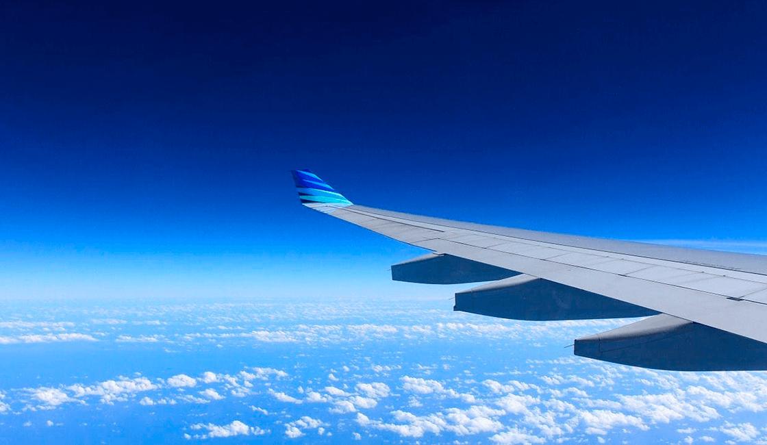 Elige-un-buen-asiento-o-ventana-para-hacer-fotos-tomadas-desde-la-ventanilla-de-una-avión