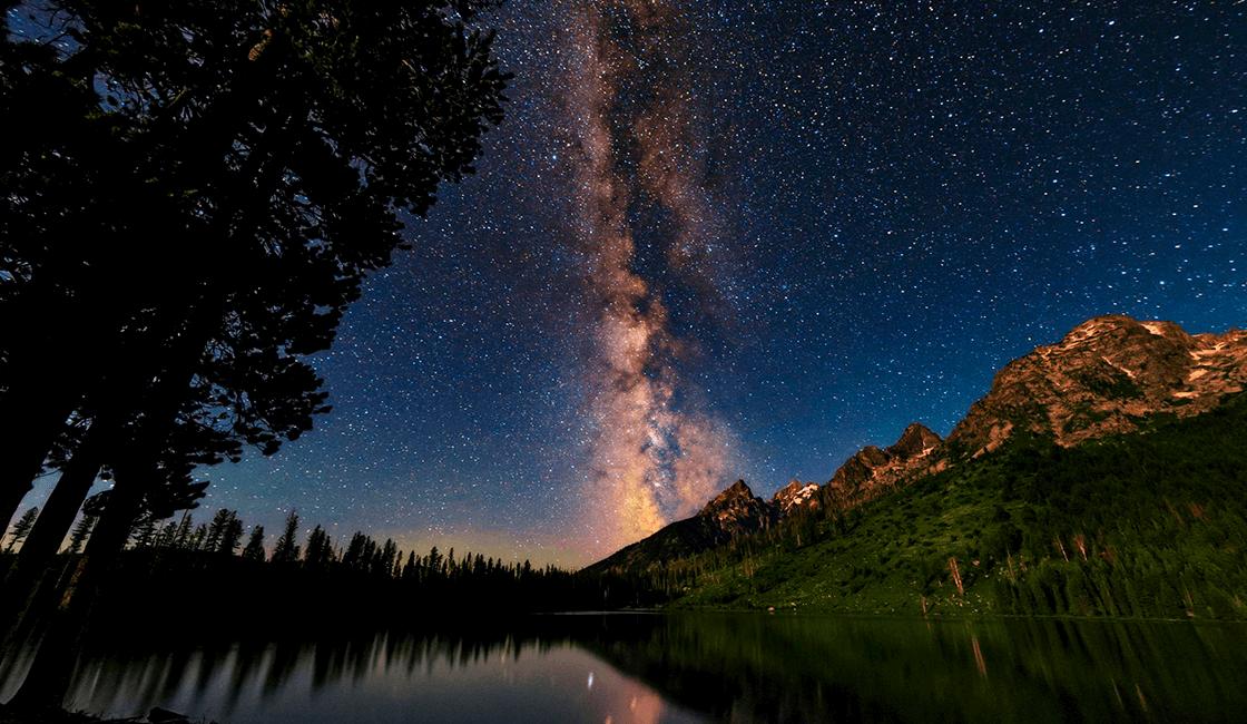 Los-mejores-lugares-para-ver-la-Vía-Láctea-en-fotografía